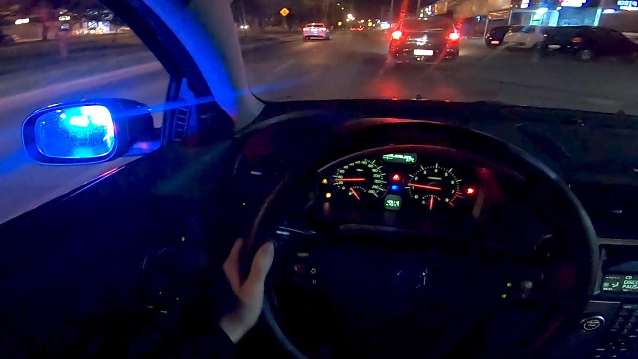 Acelerando Volvo C30 T5 manual com 0,9 bar de pressão