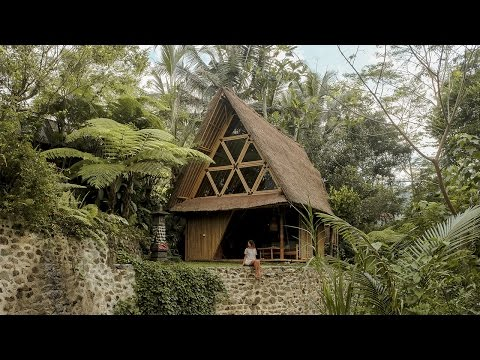 BALI VLOG // ONE NIGHT IN A BAMBOO ECO HOUSE