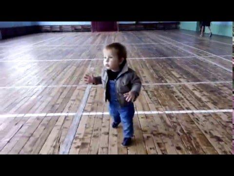 Первые шаги ребенка (Baby's First Steps) Развитие ребенка в 11 месяцев