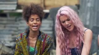 Joss Stone & Nneka performing 'Babylon'