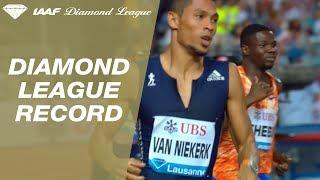 Wayde van Niekerk runs 43.62 in the Men