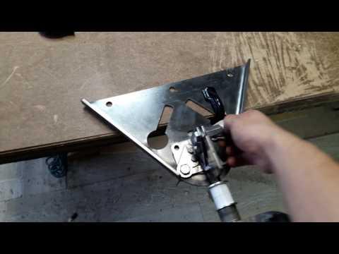 Станок для перетяжки руля / Device For Tailoring Of A Steering Wheel