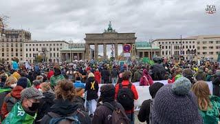 Tausende Menschen demonstrieren für Klimaschutz in Berlin