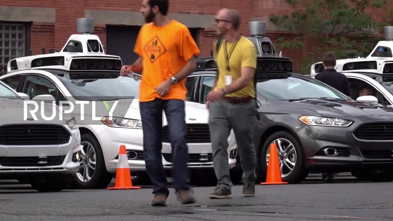 USA: Uber showcases driverless taxi fleet in Pittsburgh