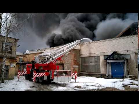 Пожар на территории бывшего мебельного комбината в Иванове