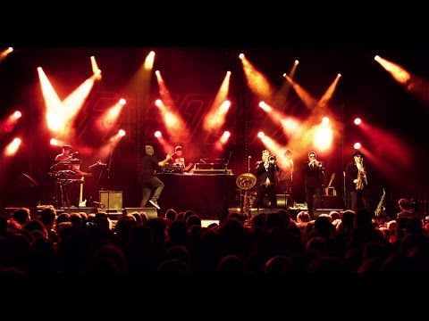 Fat Freddy's Drop 10 Feet Tall Live at Columbiahalle, Berlin