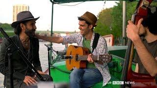 موسیقی جاز با تارا مهراد و اجرای شروین نجفیان روی قایقی در پاریس: بلور بنفش - بخش ۲