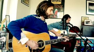 "Chris Robinson & Neal Casal Peform ""Appaloosa"" and ""The Last Place That Love Lives"""