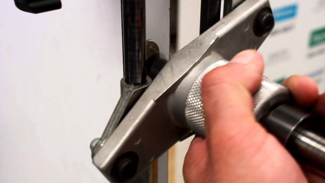 Tutorial para instalar cerradura de embutir tesa youtube for Cerraduras para muebles de madera
