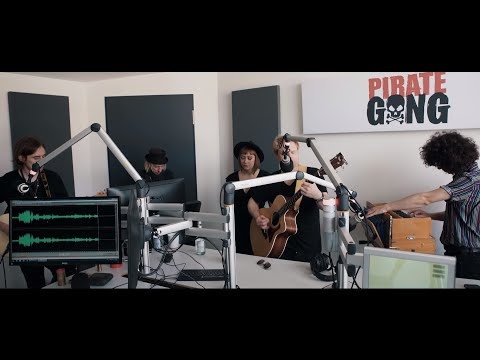 Gong 97.1  | Curse Of Lono - Pick Up The Pieces (acoustic)