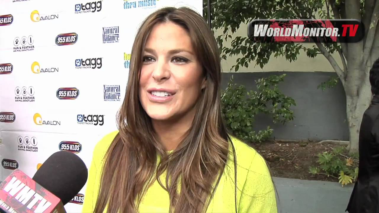 EXCLUSIVE: Maryeve Dufault, MAXIM model, passionate NASCAR ...