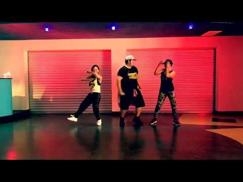 Con Calma ZUMBA I Daddy Yankee feat. Snow I #Teamfuego I Fly Fitness