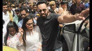 Salman Khan Sisters Arpita Khan And Alvira Khan Visit Him In Jail