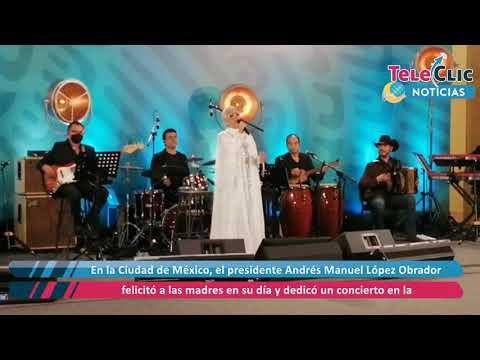 Ofrece Eugenia León concierto a las madres desde Palacio Nacional