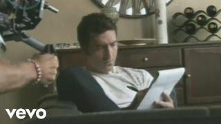Смотреть клип Alejandro Fernández - No Se Me Hace Facil