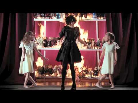 "Kimbra - ""Settle Down"" (Penguin Prison Remix) [Official Music Video]"