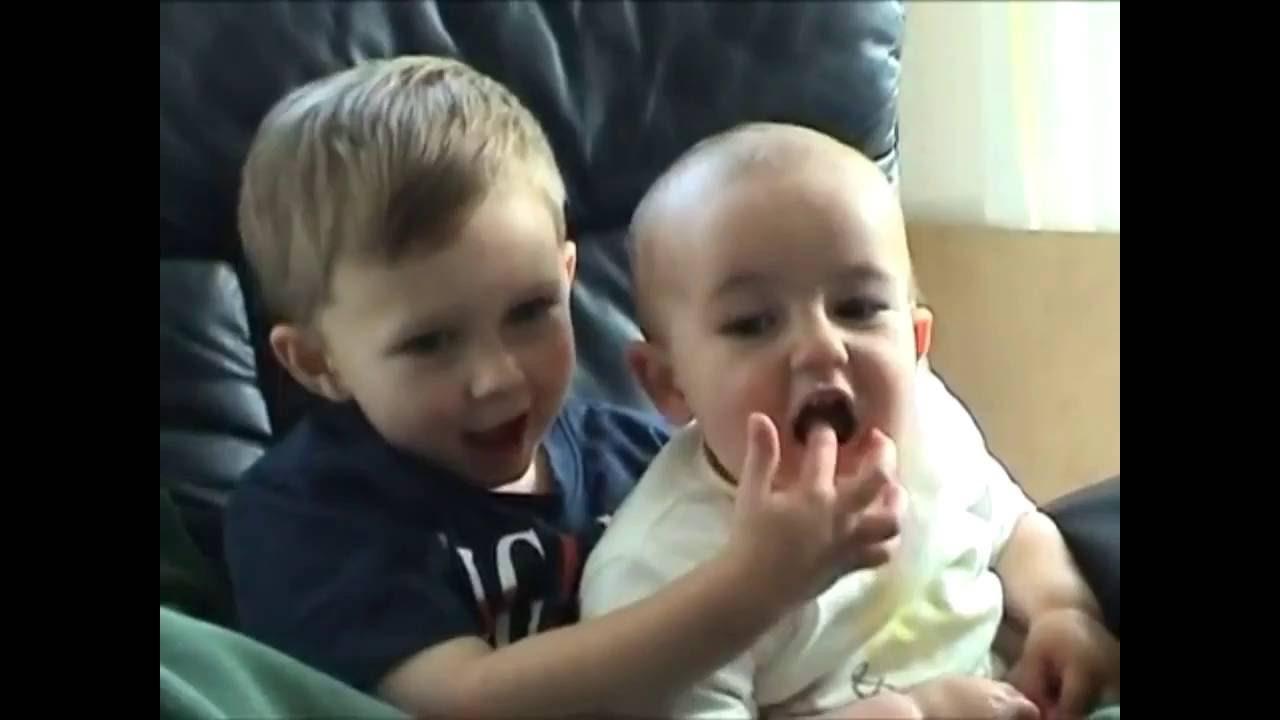 Ίσως το πιο αστείο βίντεο με μωρά (Επικό βίντεο) - YouTube 2fff61c6a81