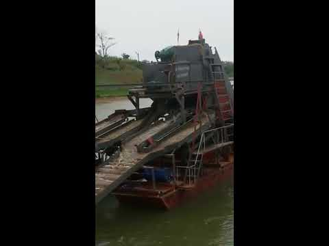 Bucket type gold dredger