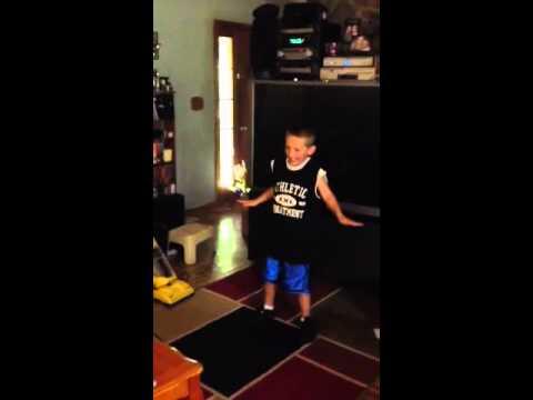 Jayden's dancin to trace atkins