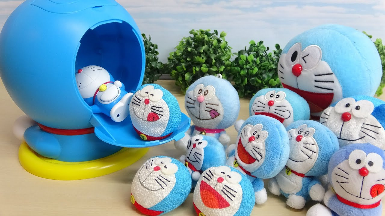 a lot of Doraemon Toys and Ultraman Monster Funny Moving Video
