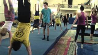 акробатика - типичная тренировка