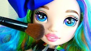 Polina y sus nuevas muñecas novia