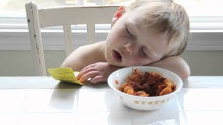 Babies Falling Asleep While Eating - Funny Baby Videos (2018)
