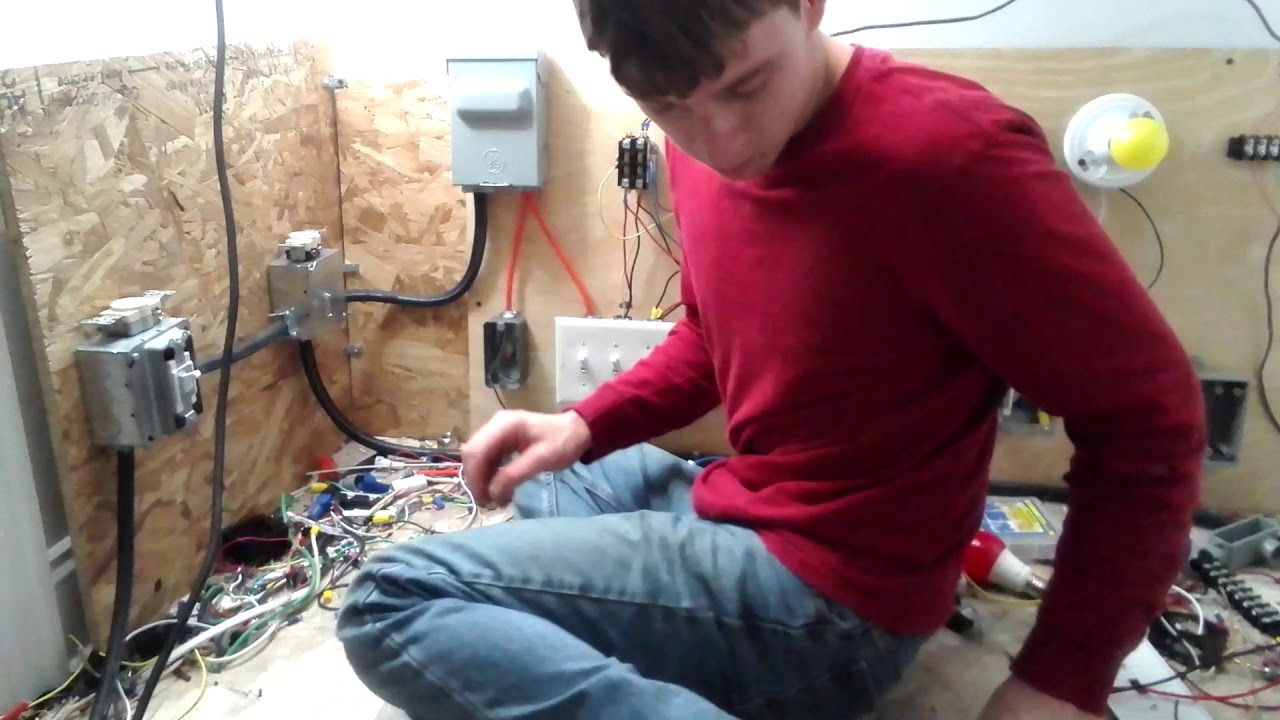 How To Install A Grounding Pigtail On An Electrical Outlet Youtube Wiring