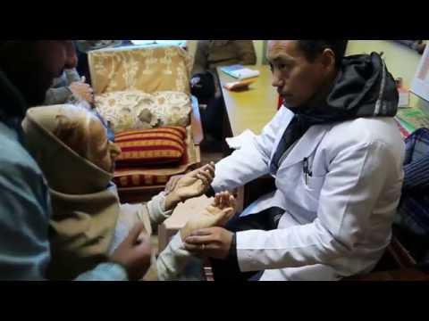 EXCLUSIF- YESHI DHONDEN -Moine docteur- GUERIT LE CANCER MCLEOGANJ INDIA