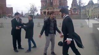 Драка Пушкина и Ленина.