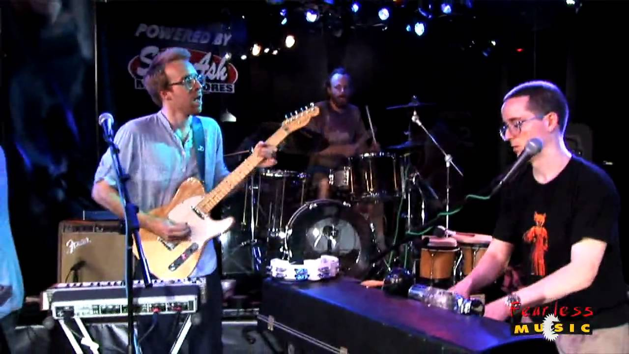 hot-chip-over-and-over-live-on-fearless-music-hd-fearlessmusicshow