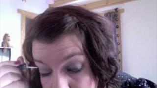 Makijaz na sylwester z brokatem - szary smokey eye z zielonym - Inglot i MAC Thumbnail