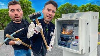 TERK EDİLMİŞ BİR ATM 'Yİ PARÇALADIK (Ne Çıktı?)