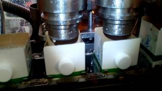 Розлив молока. Упаковка «Пюр-Пак»(Фасовочно-упаковочный автомат предназначен для розлива и упаковки большого ассортимента молочных продукт..., 2016-12-15T09:41:15.000Z)