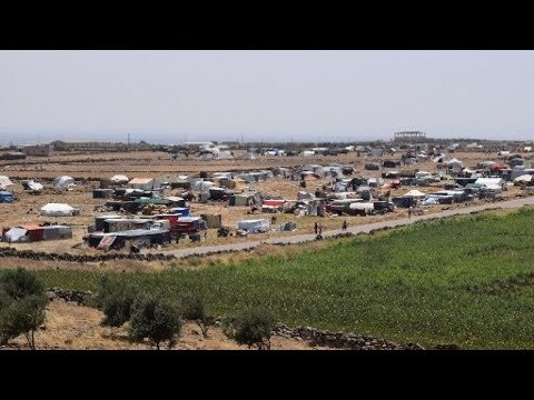 Syrians Crowding Border with Israel During Assad's Daraa Offensive