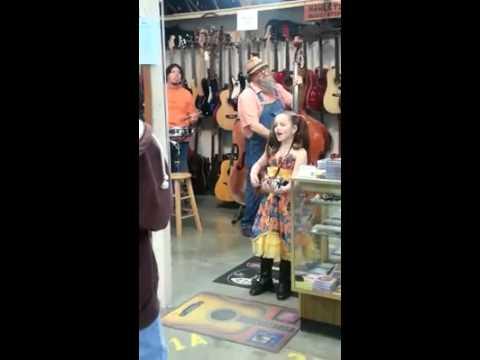 Emi Sunshine... this little girl is amazing!