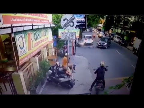 Accident Recorded By CCTV. Very Horrible, Blood Everywhere