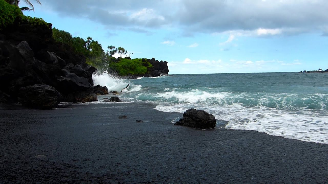 Wai Anapanapa Black Sand Beach On The Road To Hana Maui Hawaii