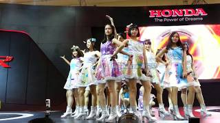 Video JKT48 - Part 1 @. Booth Honda GIIAS 19/08/17 download MP3, 3GP, MP4, WEBM, AVI, FLV September 2017
