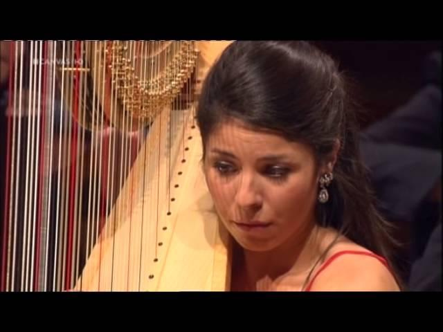 Anneleen Lenaerts plays Danse sacrée et danse profane by Debussy