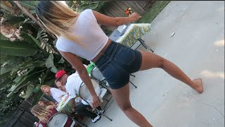 TWERKING AT A PARTY!
