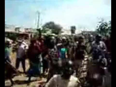 Ugunja Teachers Demonstrating