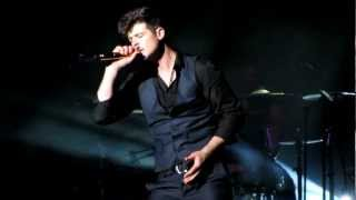 Robin Thicke - The Sweetest Love [Live In Hawaii 01-26-2013]