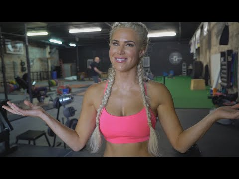 """Go behind the scenes of Lana's """"Muscle & Fitness Hers"""" feature"""