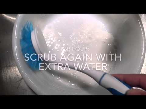 DIY Cleaning Vintage Pyrex Glass Bakeware with Bar Keepers Friend