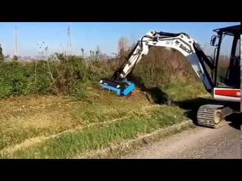 Cap tocator D130 atasabil pe excavatoare si buldoexcavatoare