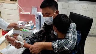 2017.9.19爸爸是座山,抱抱正在發燒+蕁麻疹的恩寶貝~做【第一次】抽血檢查怕到哭,外加一針抗過敏,真可憐好心疼