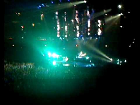 MUSE- Starlight (Live at the United Center)