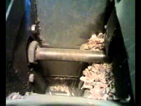 Cippatrice fatta in casa ricavata da un vecchio mulino for Pressa fai da te