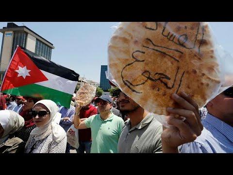 مخاوف بشأن مستقبل الاقتصاد الأردني برغم حزمة المساعدات الخليجية…  - 00:21-2018 / 6 / 13
